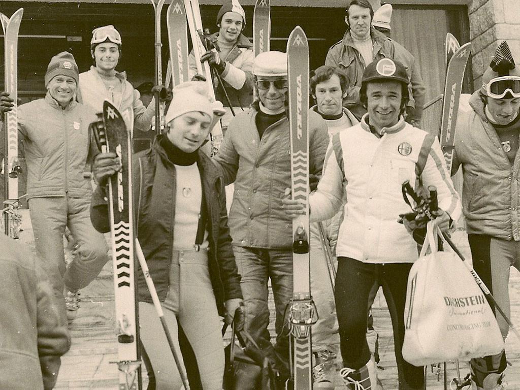 asociatia monitorilor profesionisti de schi